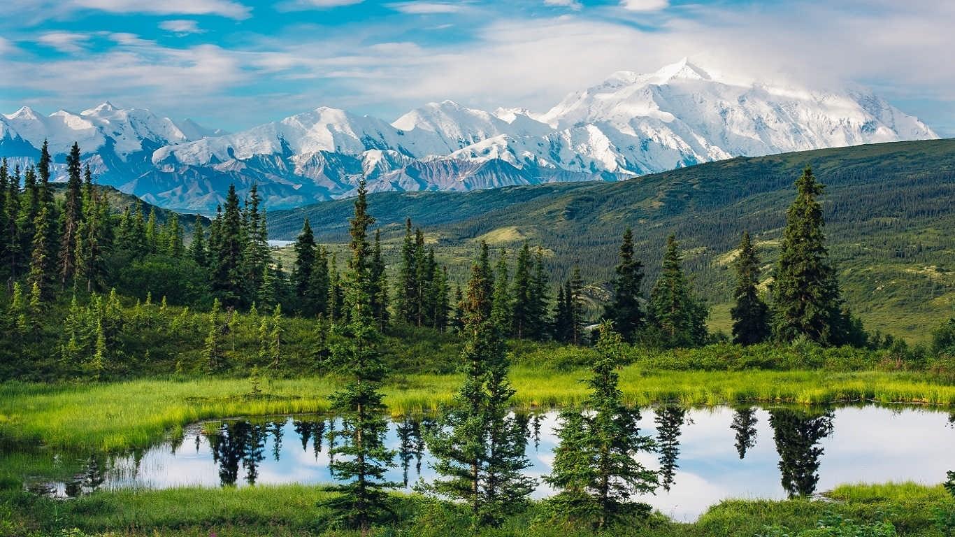 والپیپر اچ دی دامنه کوه آلاسکا